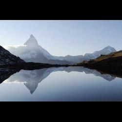 322019 Matterhorn spiegelt sich im